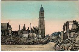 31rk 528 CPA - CAMBRAI - RUE SAINT MARTIN ET BEFFROI - Cambrai