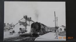 Photo De Format CP - En Gare De Mehun-sur-Yèvre - 1959 Express Bourges/Paris - Trains