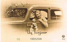 18  UN BONJOUR    DE   VIERZON   CPM  TBE   771 - Vierzon