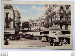 CPA - TOULOUSE - Carrefour Bayard (animée: Automobiles, Commerces, Bar Parisien, Au Capitole...) Colorisée - Toulouse