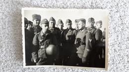 Foto Gruppenfoto Luftwaffe Flak Ärmelabzeichen  Wehrmacht Militär - 1939-45