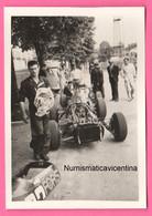 Autodromo Monza Ai Box Auto Corsa Automobiles Wagen Original Photo Benzine Mechanical Anni 60/70 - Automobili