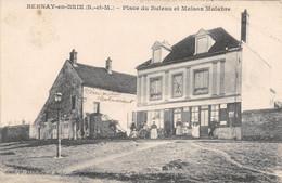 BERNAY EN BRIE - Place Du Buteau Et Maison Malabre - Andere Gemeenten