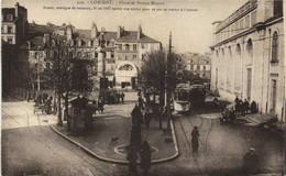 LORIENT  Place Et Statue Bisson Animée Trams Recto Verso - Lorient
