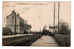 Savennières , La Gare Des Forges , Train , Locomotive à Vapeur - Autres Communes