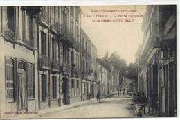 Les Pyrénées Orientales PRADES  La Route Nationale Et Le GRAND HOTEL MALET  Labouche RV - Prades