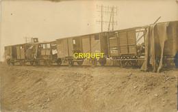 55 Revigny, Guerre 14-18, Carte Photo D'un Train Bombardé Par Avions, Nuit Du 5 Au 6 Septembre 1917, Beau Document - Revigny Sur Ornain