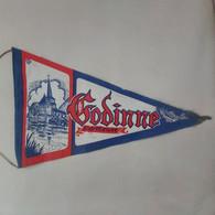 GODINNE Ancien Joli Fanion Godinne Sur Meuse - Blazoenen (textiel)