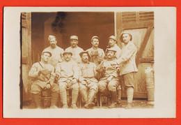 VaL194 ♥️  Carte-Photo Guerre 1914-18 Tournée Vin Groupe 9 Poilus 342e Régiment Infanterie Gourde Militaire Et Cuir - Regiments