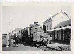 LIBRAMONT ..-- Le TRAIN à VAPEUR Entre En GARE . Photo   8 X 5.5 CM . - Libramont-Chevigny