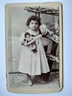 Photographie CDV  Enfant - Fillette Et Sa POUPÉE - Jouet - BE - Old (before 1900)