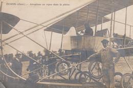 ECOUIS (Eure): Aéroplane Au Repos Dans La Plaine - Autres Communes