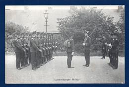 Luxembourg. Luxemburger Militär. Corps De Volontaires En Position De Présentez Armes - Other