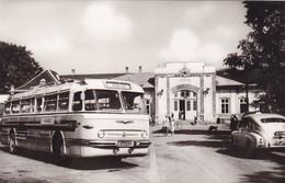 2331/ Siofok, Vasulallomas, Oude Bus, Oude Auto - Hungary