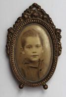 Ancien Cadre Miniature Médaillon Avec Portrait D'enfant - Autres