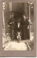 Carte Photo Militaire Douanier Avec Femme, Enfant Et Petit Chien - Sur Carton - Douane - Militaire Soldat - War 1914-18