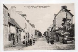 - CPA SAINT-NICOLAS-DE-REDON (44) - Route De Blain - Le Calvaire (belle Animation) - Edition Chapeau N° 17 - - Autres Communes