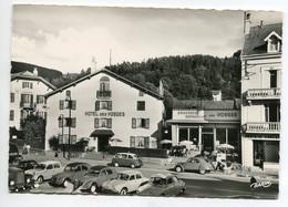 AUTOMOBILES 011 Gerardmer Hotelo Des Vosges Place1950    Autos 2 CV  Citroen Simca Renault  Peugeot - PKW