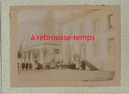 Vers 1892- CONGY (51)-mairie Et Instituteur à Gauche Avec Sa Classe- Archives Paulin PERBAL  Instituteur à CONGY - Lieux