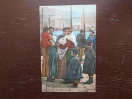 Carte Assez Rare , Marseille , Famille De Pêcheurs - Autres