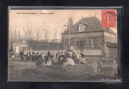 (08/09/21) 27-CPA FEUGUEROLLES - PLACE DU CALVAIRE - Sonstige Gemeinden