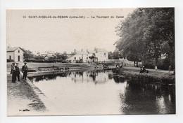 - CPA SAINT-NICOLAS-DE-REDON (44) - Le Tournant Du Canal (avec Personnages) - Edition Chapeau N° 13 - - Autres Communes