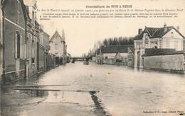 SENS : INONDATIONS DE 1910 - LA RUE DE PARIS - Sens