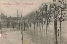 SENS : INONDATIONS DE 1910 - LES QUAIS DU PETIT HAMEAU ET ERNEST LANDRY - Sens