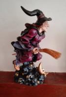 Sculpture Sorcière Sur Balai - Altri