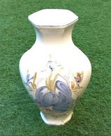 Grand Vase à Pans De Forme Hexagonale Céramique à Décor Floral  Hauteur : 320mm - Altri