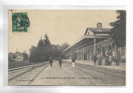 52 - BOURBONNE-LES-BAINS - Intérieur De La Gare. Personnages - Bourbonne Les Bains
