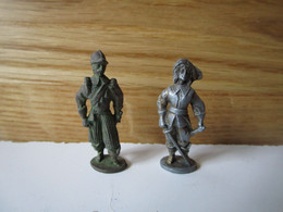 Soldat  Kinder Métal  2 Mousquetaires - Figurine In Metallo