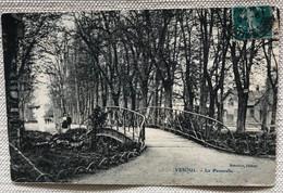 70 Vesoul 1911  Le Parc La Passerelle Promeneurs - Vesoul
