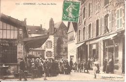 QUIMPERLE (29) La Place Des Halles En 1915 (Superbe Animation) - Quimperlé