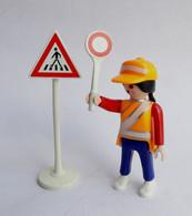 FIGURINE PLAYMOBIL AGENT SCOLAIRE TRAVERSEE PIETONS  Boîte 4328 - Playmobil