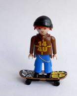 FIGURINE PLAYMOBIL SKATEUR  Boîte 4754 - Playmobil