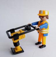 FIGURINE PLAYMOBIL OUVRIER TRAVAUX PUBLIC DAMEUSE  CONCERNE Boîte 3004 6 € - Playmobil