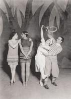 Le Train Bleu Russian Diaghilev 1924 Theatre Costumes Ballet Postcard - Musica E Musicisti