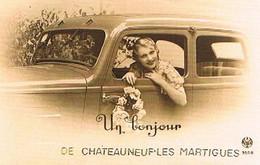 13  UN BONJOUR  DE  CHATEAUNEUF  LES MARTIGUES  CPM  TBE   838 - Andere Gemeenten