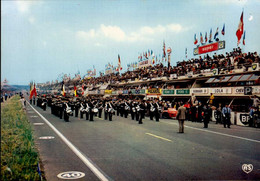 LE MANS   ( SARTHE )   LES 24 HEURES DU MANS , LE DEFILE DE LA MUSIQUE - Le Mans