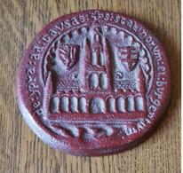 De Ypra Ad Causas Scabinor Et Burgensium Medaille Gegoten Bij Picanol - Ferro Battuto