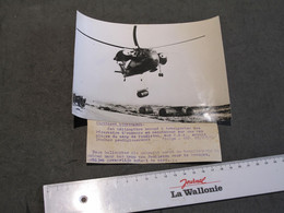 USA BASE PENDLETON - PHOTO PRESSE BELGA 1958 - HELICOPTERE QUI SEMBLE ATTEINT DE STRABISME - Guerra, Militari