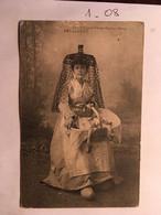 Cpa, Folklore, Tenue Traditionnelle, BRESSANE (avec Panier - Edit. BOURGEOIS à CHALON SUR SAONE, BRESSE 71 - Costumes