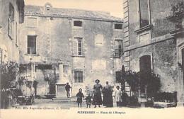 84 - MENERBES : Place De L'Hospice ( Animation ) CPA Village ( 995 H )  Vaucluse - Autres Communes