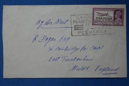 AA4 PAKISTAN  BELLE LETTRE  1946 PESHAWAR  POUR ENGLAND+SURCHARGE  AFFRANCH. INTERESSANT - Pakistan