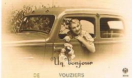 08  UN BONJOUR  DE  VOUZIERS  CPM  TBE   887 - Vouziers