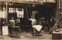 CPA Carte Photo PARIS 15e 32 Rue Ginoux 1918 Atelier Mecaniques (17006) - Arrondissement: 15