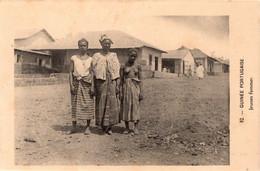 GUINÉ BISSAU - Jeunes Femmes - Guinea-Bissau