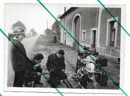 Moto En Panne Photo 11,5x8,5 - Anonymous Persons