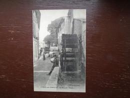 """Carte Assez Rare , L'isle-sur-sorgue , La Rue Des Roues """""""""""" Carte Animée """""""" - L'Isle Sur Sorgue"""